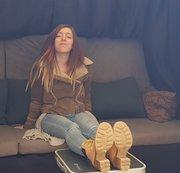 Bei Tobey im Casting Bus - Schuhe, Socken und Füße präsentiert