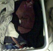 Im Wäschekorb der Nachbarin gepisst