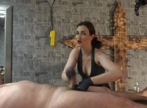 Hure Riesenschwanz Debuetantin Massage
