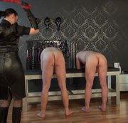 Auspeitschung der 2 Sklaven