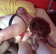 Sklave wird von Herrin und Zofe benutzt - 6. Blowing in the bed