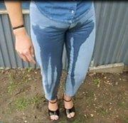 Jeans voll gepisst