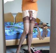 Masturbation auf dem Bett teil 2