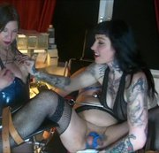 Dominaparty in Berlin Teil 4 – Girls on Gynochair