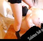 Toiletten Sub in´s Maul gepisst
