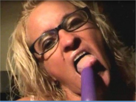 Dolly Miniarsch Dildo Gloryhole