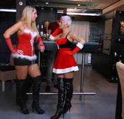 Weihnachtsfeier- Public Orgasmus direkt an der Bar !