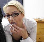 Sexuelle Belestigung am Arbeitsplatz mit Megacumshot !!!