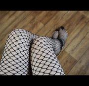 Geile schwarze Netzstrumpfhose geile Beine Hm komm................
