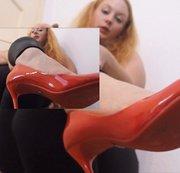 Schuhwichser aufgepasst!Besamt meine Lack- Heels!