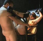 Wehrlos nackt ausgeliefert 2
