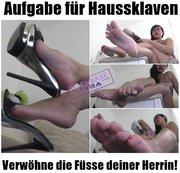 Aufgabe für Haussklaven - Verwöhne die Füsse deiner Herrin!