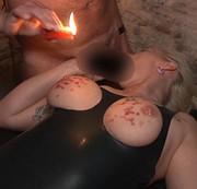 Kerzenwachs Auf Titten Und Arsch