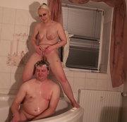 Haare mit Pisse gewaschen + Orgasmus