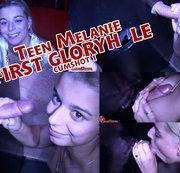 Teen Melanie erste Mal GloryHole - Cumshot 1